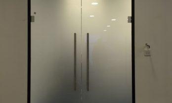 Bölme sistemi cam kapılar